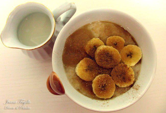Gachas de avena o porridge con frutas. Receta