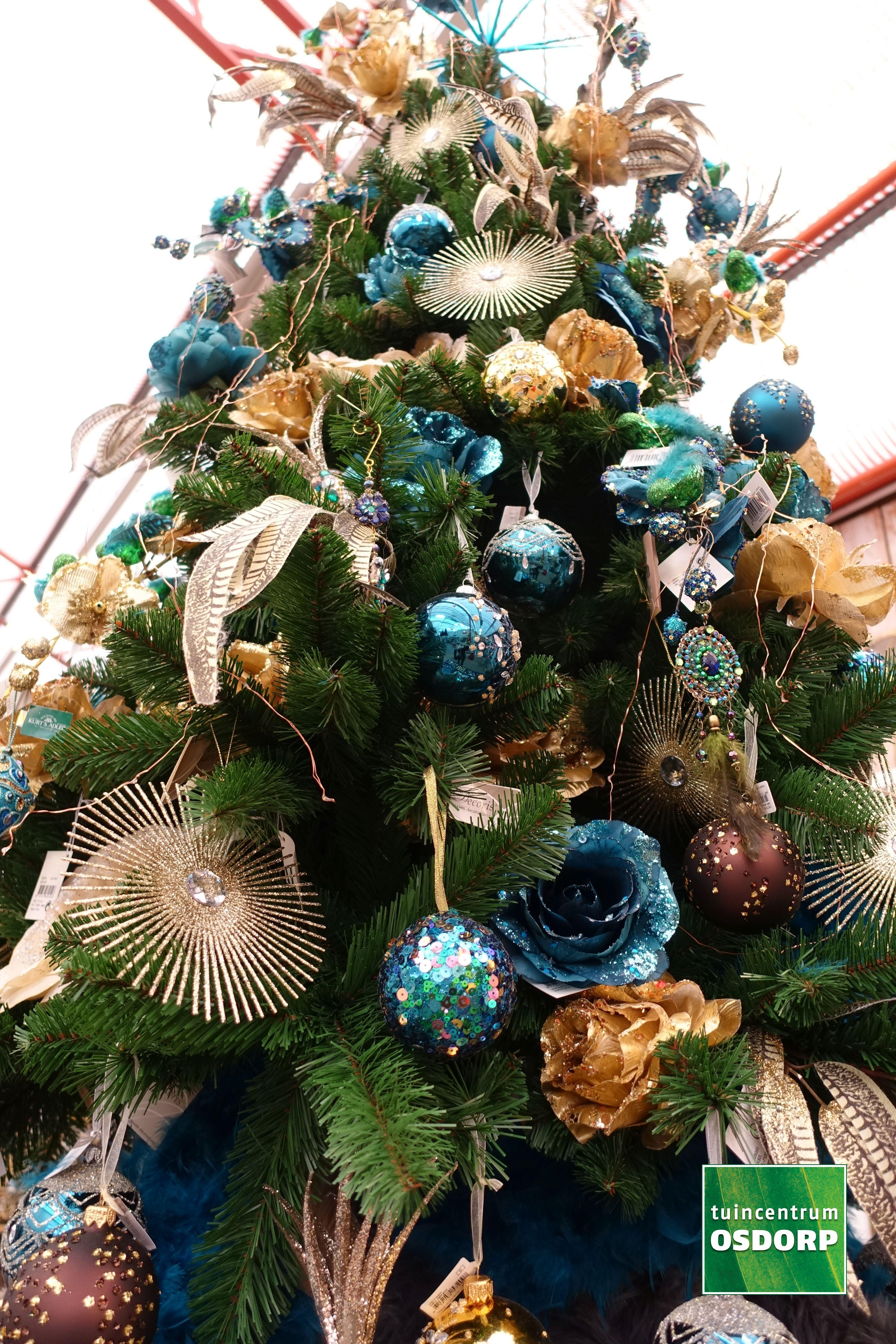 Kerst Inspiratie Bij De Kerstshow Van Tuincentrum Osdorp Kerstboom Versiering In De Kleuren Goud Sue In 2020 Holiday Deco Christmas Decorations Alternative Christmas