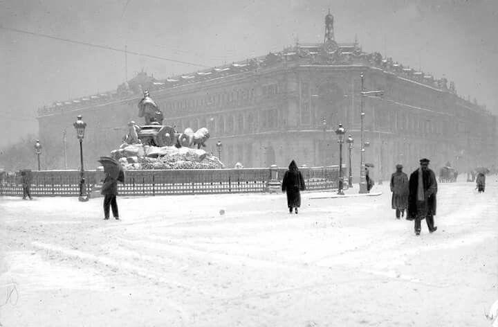 La Plaza de Cibeles nevada en 1907.