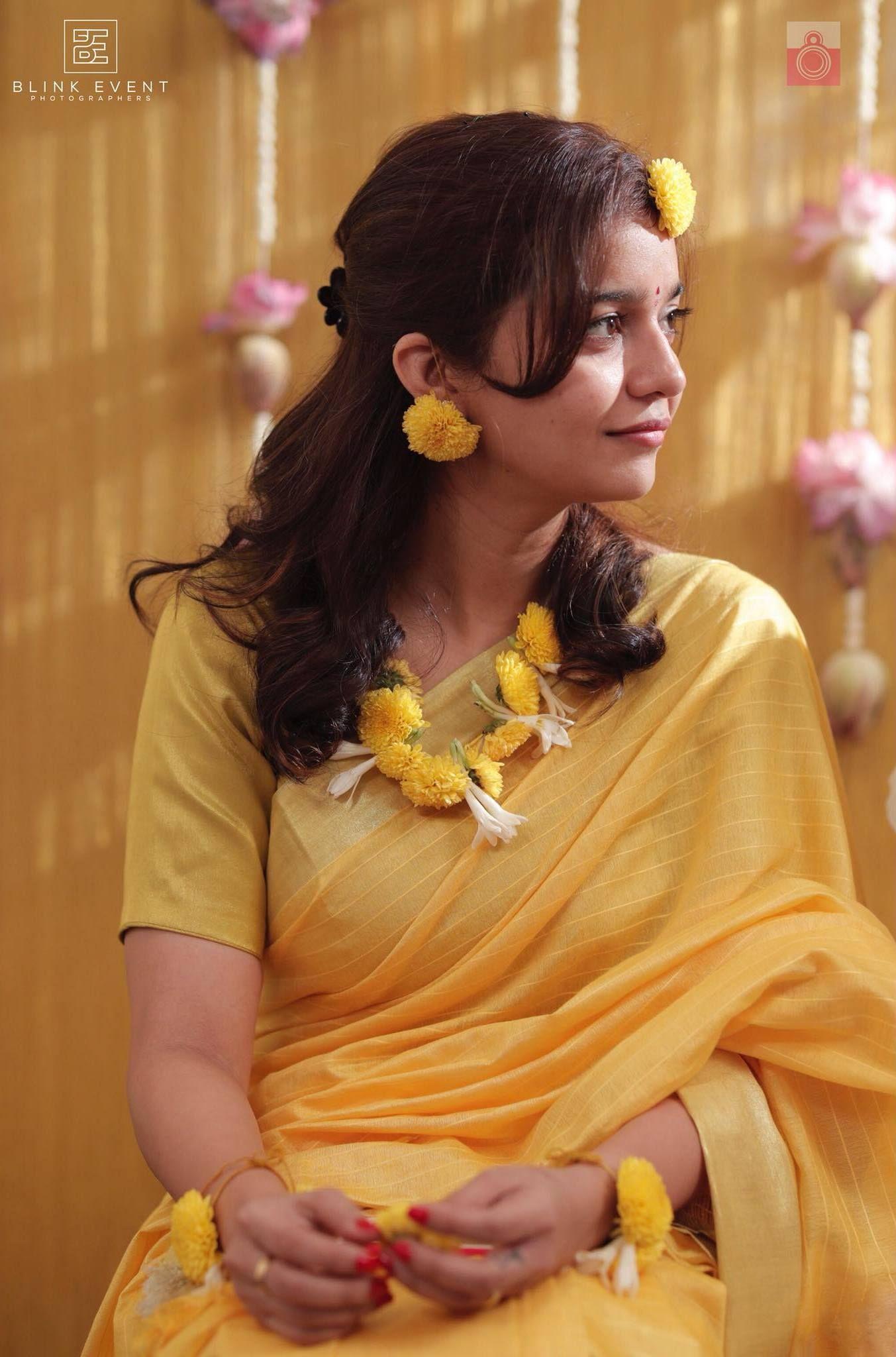 Actress Swathi Reddy & Her Super Cute Telugu Wedding