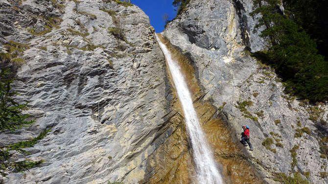 Klettersteig Urlaub : Canyoning oder klettersteig an der ardèche freizeitaktivität in