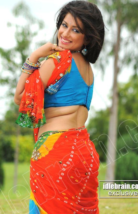 Telugu actress hot saree pics