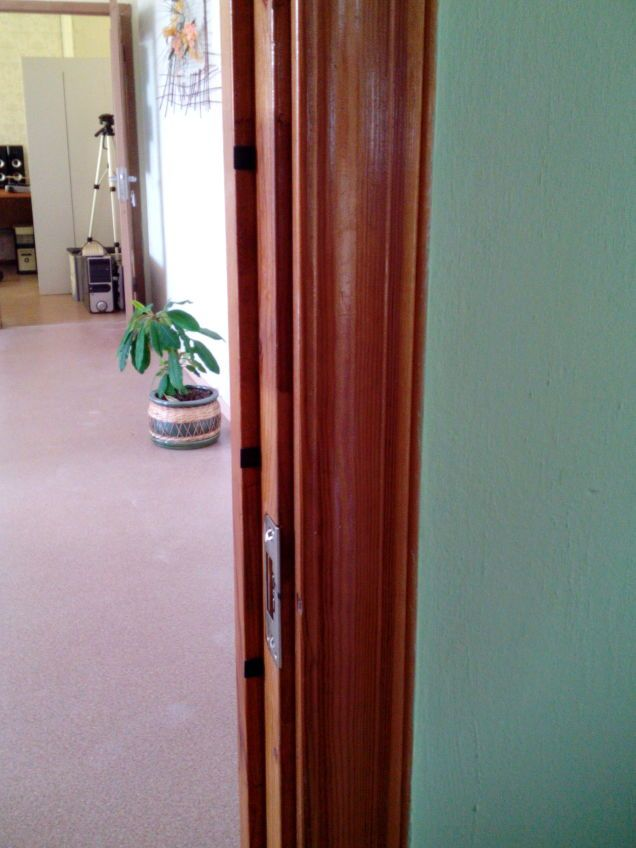 Superior  Quiet Slamming Doors With Felt Pads