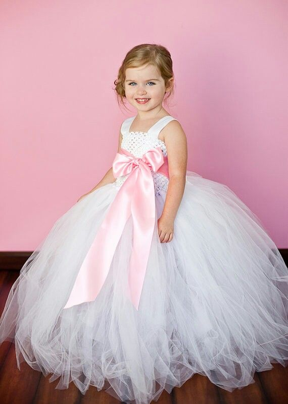 dff6470a4e Fanciful Flower Girls ❀ dresses   hair accessories for the littlest wedding  attendant  -) tutu with pink bow