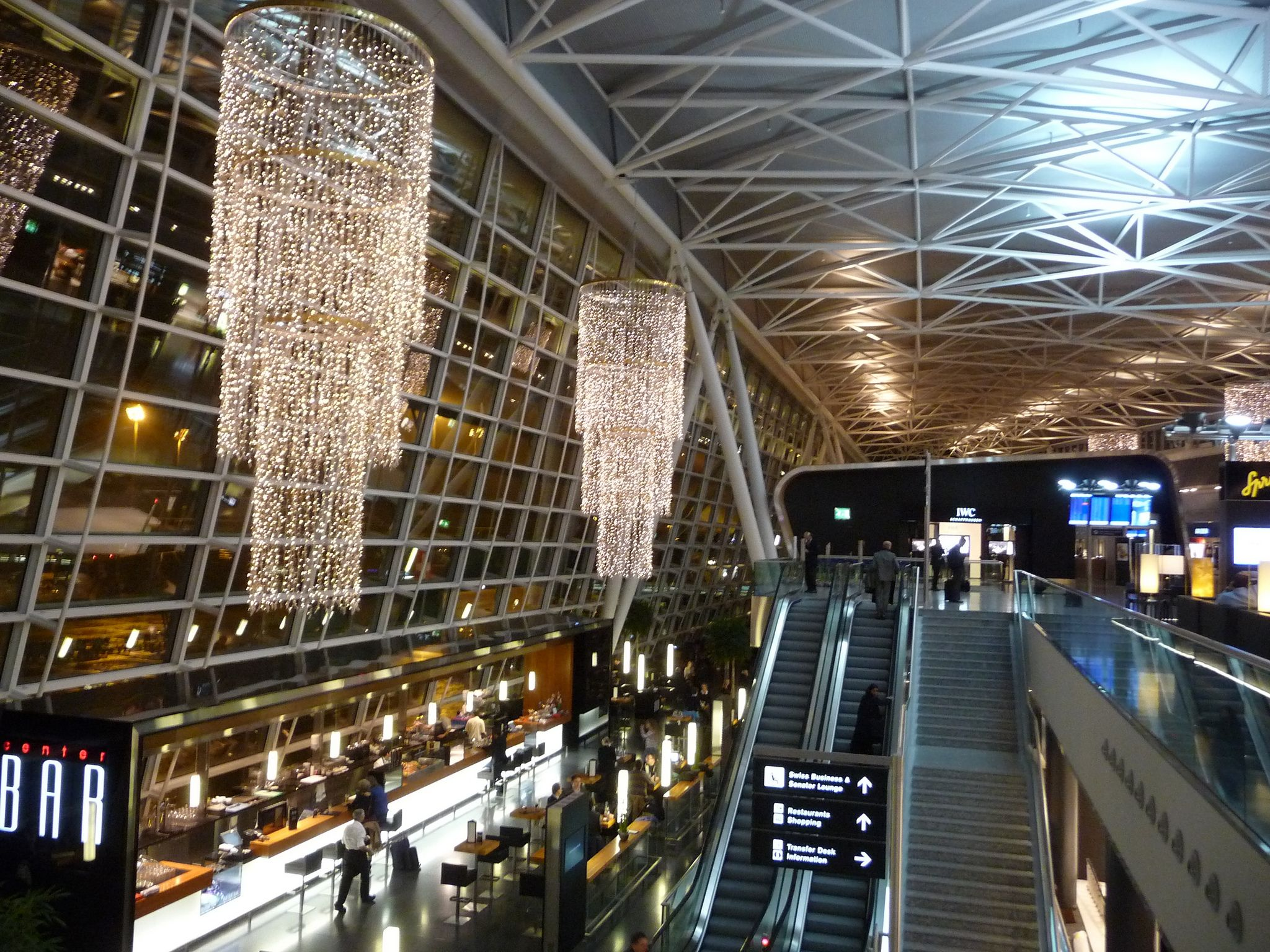 Zurich airport z rich flughafen kloten switzerland for Interior decoration zurich