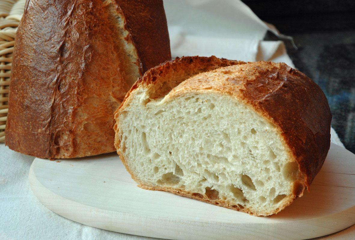 Die Möglichkeit, ein Brot einmal gänzlich ohne Einsatz eines Teigkneters herzustellen hat mich in den letzten Wochen sehr fasziniert. Nachdem Lutz mehrere Rezepte vorgestellt hatte, die ohne maschi...