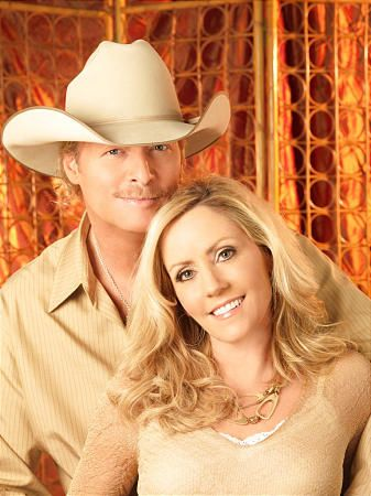 Alan Jackson Wife To Be Honored In Hometown Alan Jackson