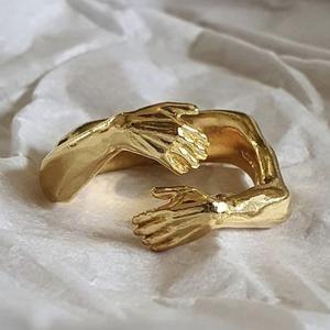 Hug Jewellery Ring