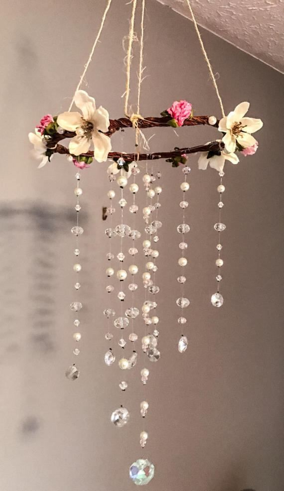 Photo of Rosa y Blanco Shabby Chic Crystal Mobile