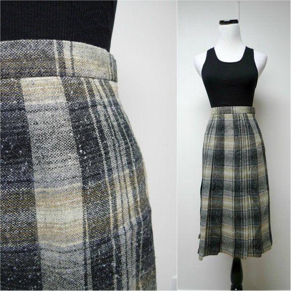 Pure New Wool The Edinburgh Woollen Mill 70s Vintage Plaid Pleated Skirt
