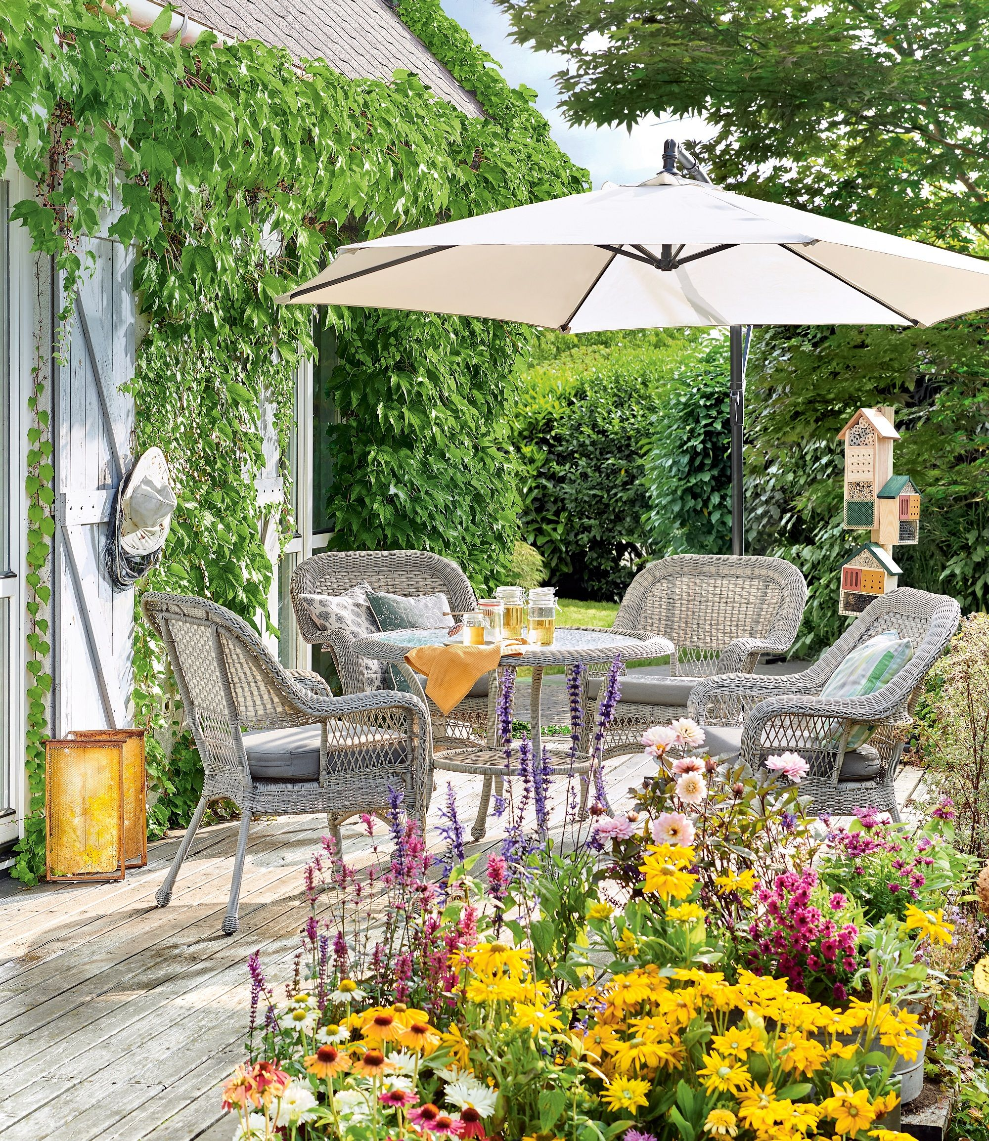 Kwietna Laka W Roli Glownej Outdoor Furniture Sets Patio Outdoor Decor