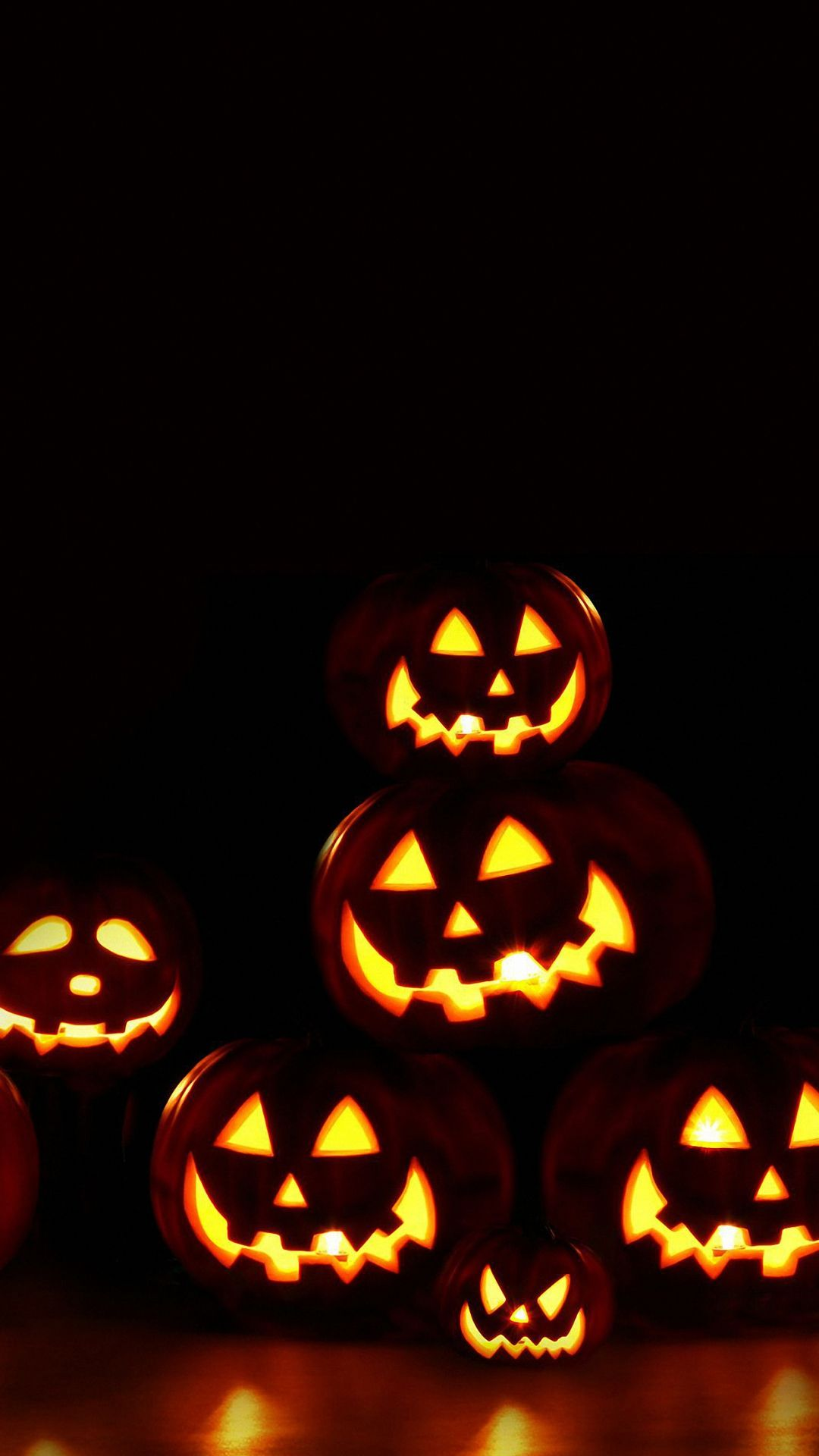 Halloween Pumpkin Wallpaper Hd.Hd Halloween Pumpkin Lights Wallpapers Holiday Mobile