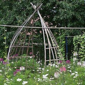 Recycler Les Tuteurs En Bambous Bambous Jardin Jardins Et