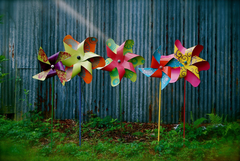 Metal Pinwheels For Decoration In The Gardens Pinwheels Garden