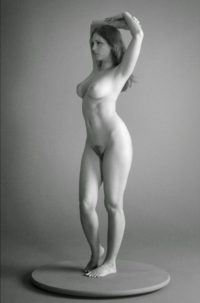 Female proportions nude photo
