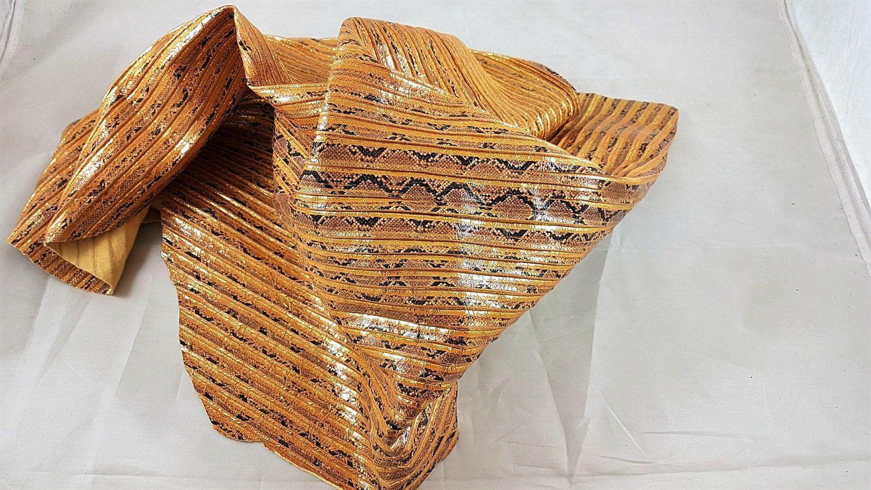 Snake printed leather hide plisse'. A139 di LAGARZARARA su Etsy