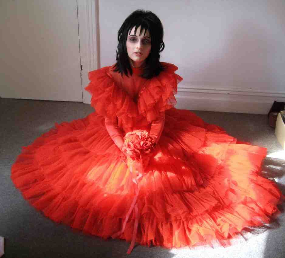 Lydia deetz red wedding dress red wedding dresses for Lydia deetz wedding dress