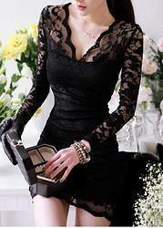 Super sexy! Escote en V, vestido de encaje.  Lo puedes adquirir en: http://emcccarlocka.wix.com/fashioneurope#!product/prd1/1210883071/374210m06-vestido-negro