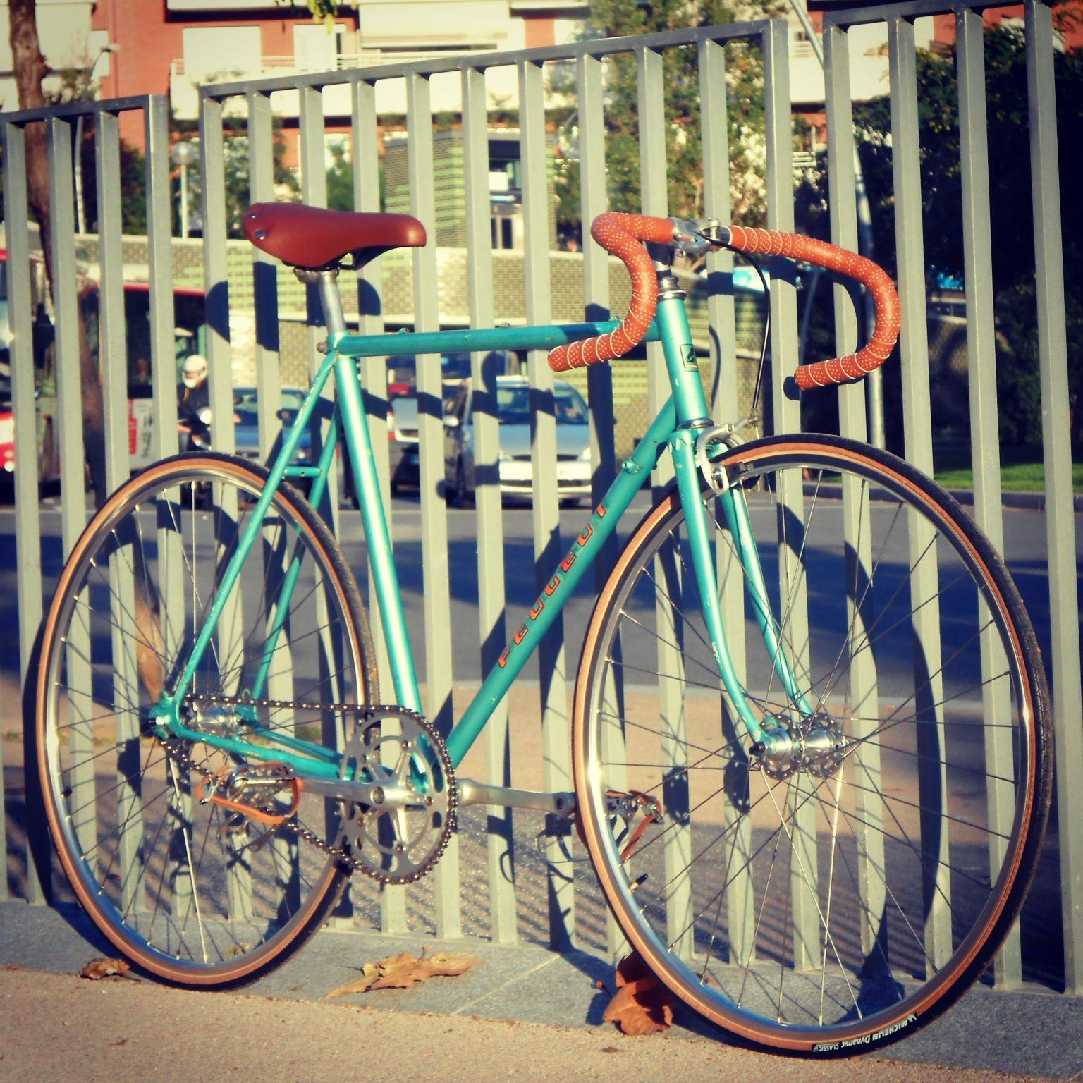vintage bicycle peugeot road bike fixie track fixed gear. Black Bedroom Furniture Sets. Home Design Ideas