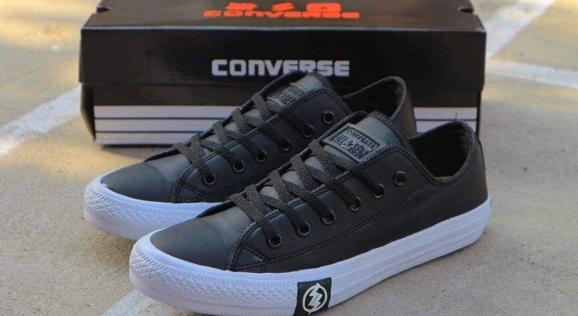 Sepatu Casual Pria Slip On Loafers Kerja Sepatu Santai Sepatu