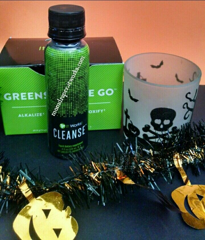 New package deal available. The Berry Greens on the go and the Cleanse! Check it out at momdraper.itworks.com