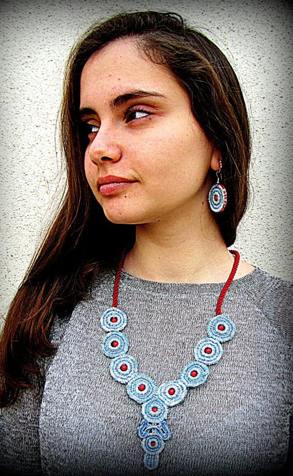 Womens jewelry made of denim particularly suitable for