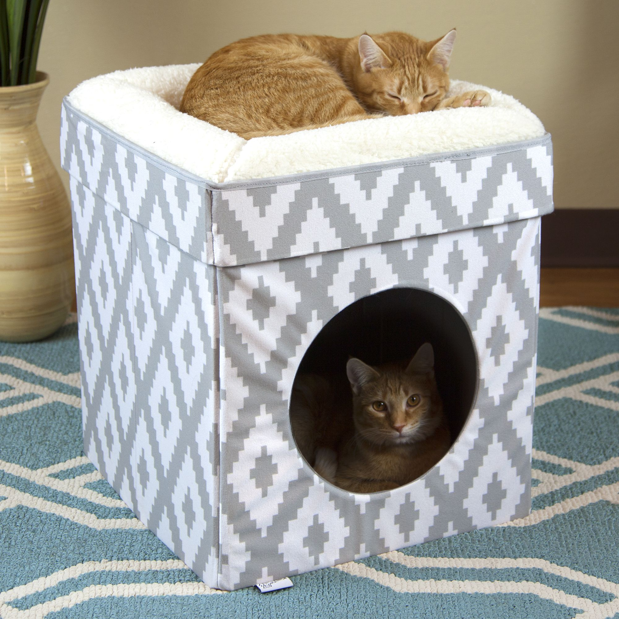 Free 2day shipping. Buy Kitty City Large Stackable Cat