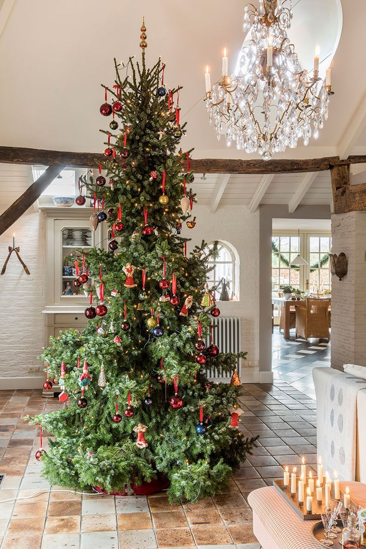 The festive charm of old 17th century cottage in