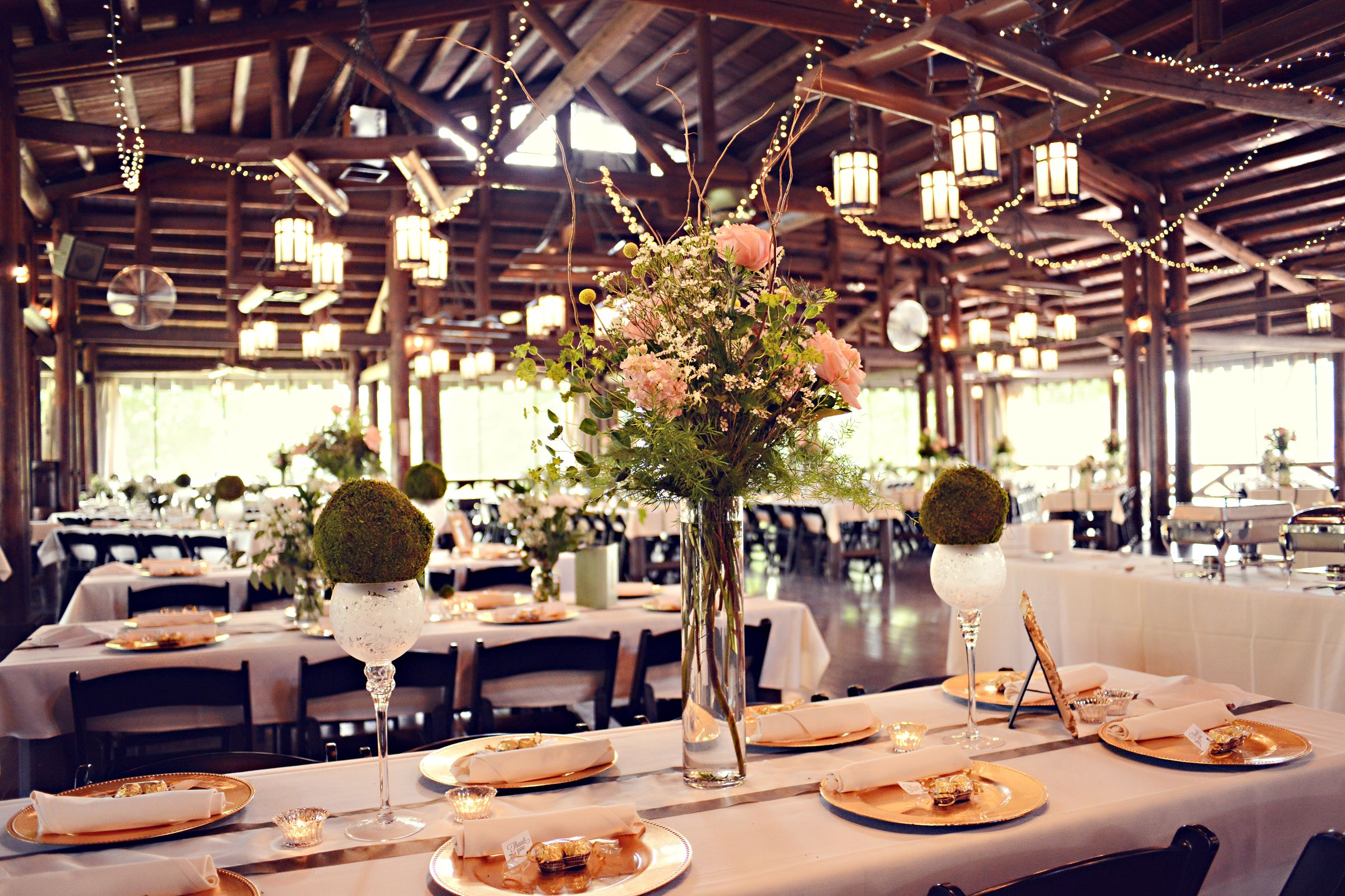 rustic wedding reception at hoover park 39 s beautiful barn like reception center tall. Black Bedroom Furniture Sets. Home Design Ideas