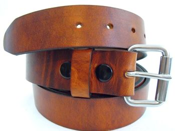 1 1/2 rustic hot dipped harness leather work belt. This leather belt is created from hot dipped harness leather. Harness leather is a product very well known because of its durability, it has a nice waxy feeling on both the grain and flesh sides. From Orion Leather Company