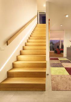 architektenhaus am hang in wiesbaden bauen einl ufige treppe pinterest treppe haus und. Black Bedroom Furniture Sets. Home Design Ideas