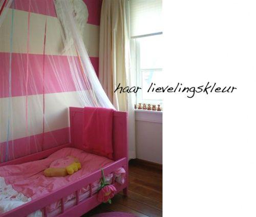 Meisjes kamer grote banen op de muur slaapkamer pinterest muur meisjes en meisjeskamer - Muur kamer kind ...