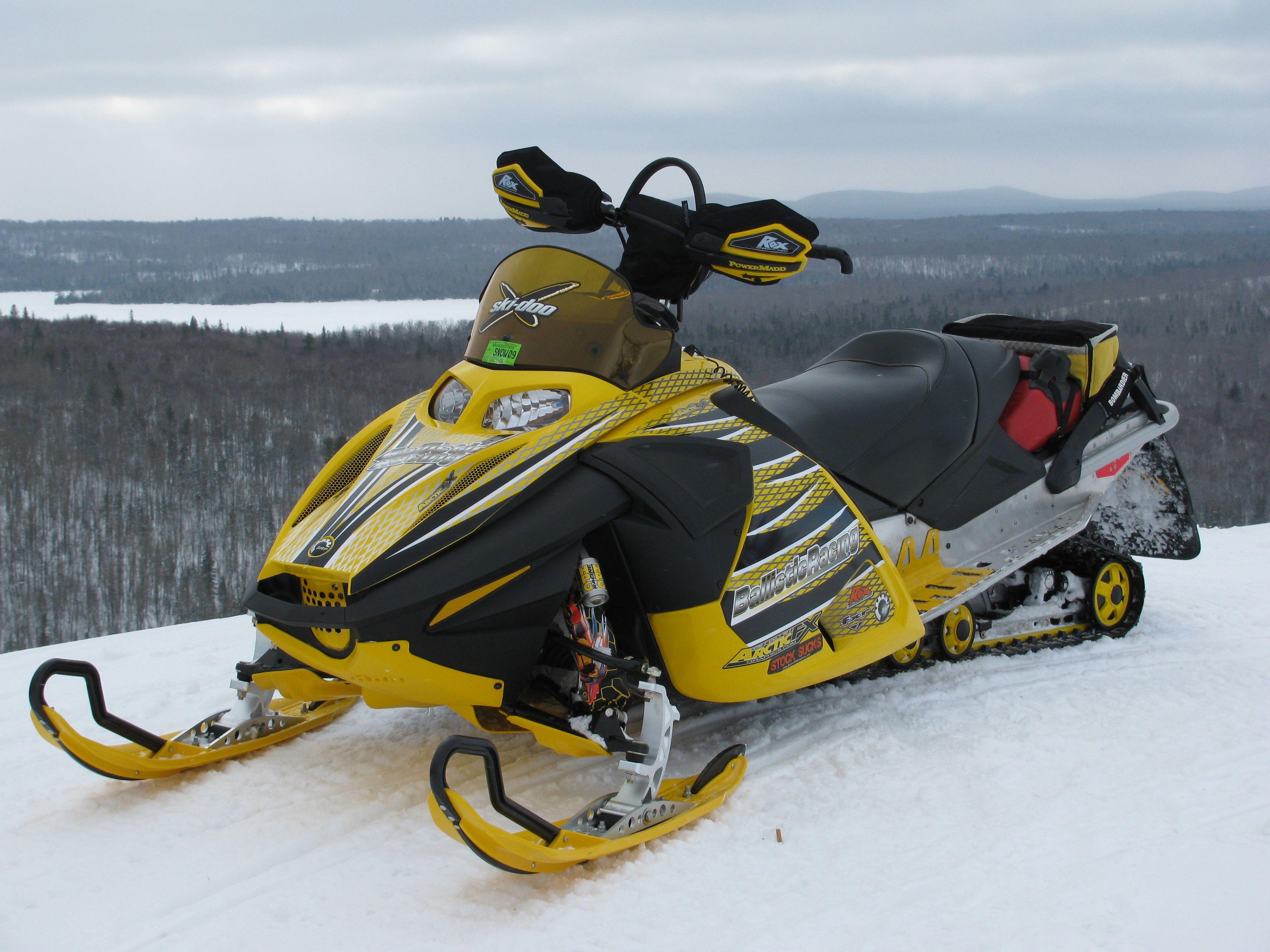 Ski Doo Snowmobile Snowmobile Skiing Snowmobile Parts