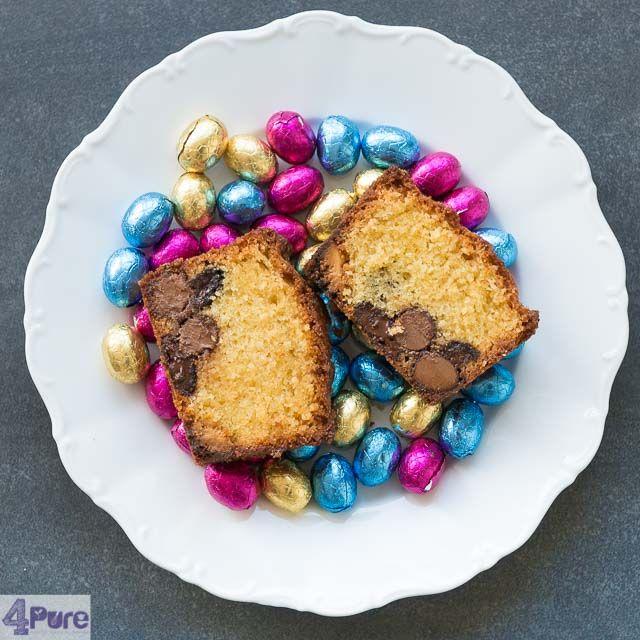 Paas eitjes cake Cake gevuld met chocolade eitjes, een recept met dat heerlijke Paas gevoel. Lekker makkelijk te maken en leuk om met Pasen bij de thee te serveren.