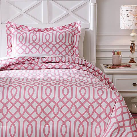 Pink And Geometric Prints Are Totally Having A Moment