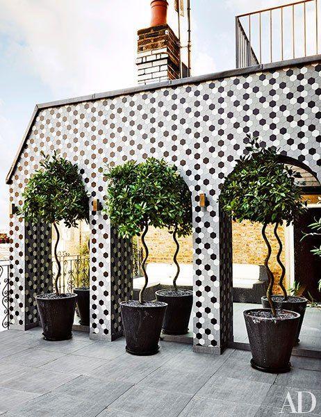Creative Details. Graphic hexagonal tile. AD December 2014. Designer: Francois Catroux.