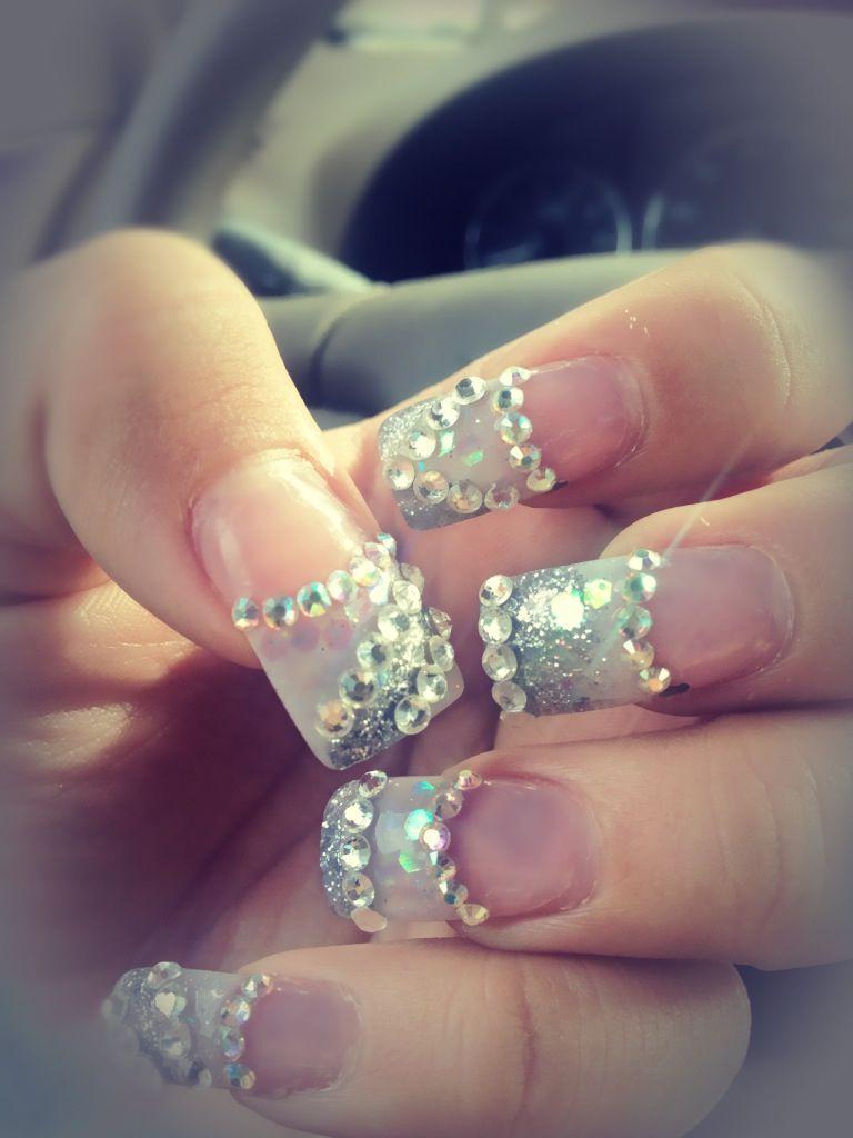blinged nails makeup