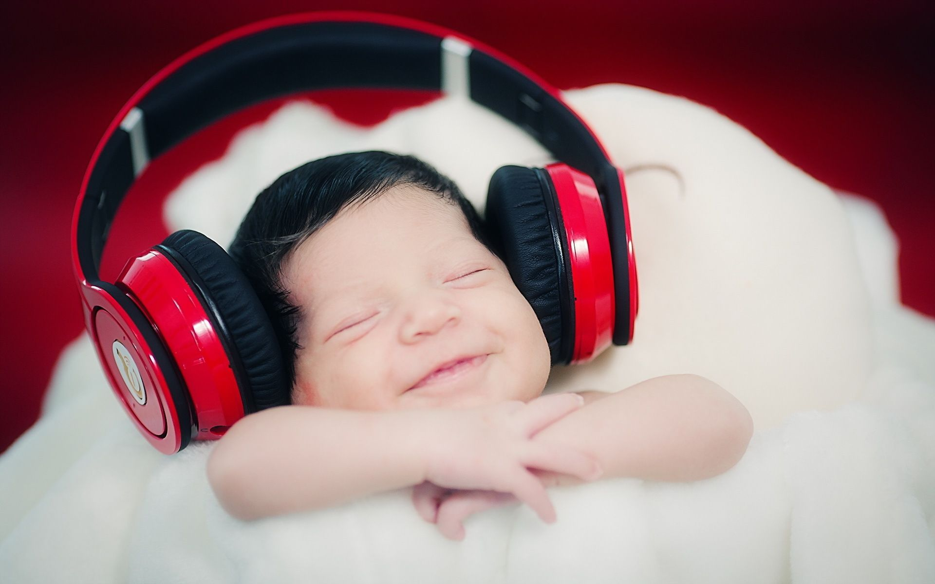 Baby Sleep With Headphones Wallpaper Cute Baby