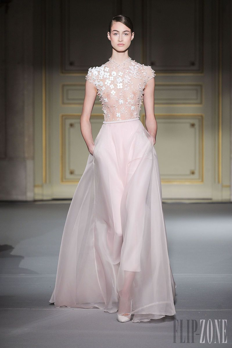 Georges Hobeika - Couture - Spring-summer 2013 - http://www.flip-zone.net/fashion/couture-1/fashion-houses/georges-hobeika-couture-spring-summer-2013 - ©PixelFormula