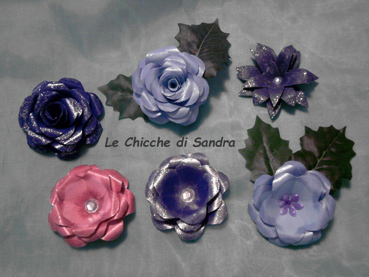 Rose di carta e fiore di jeans