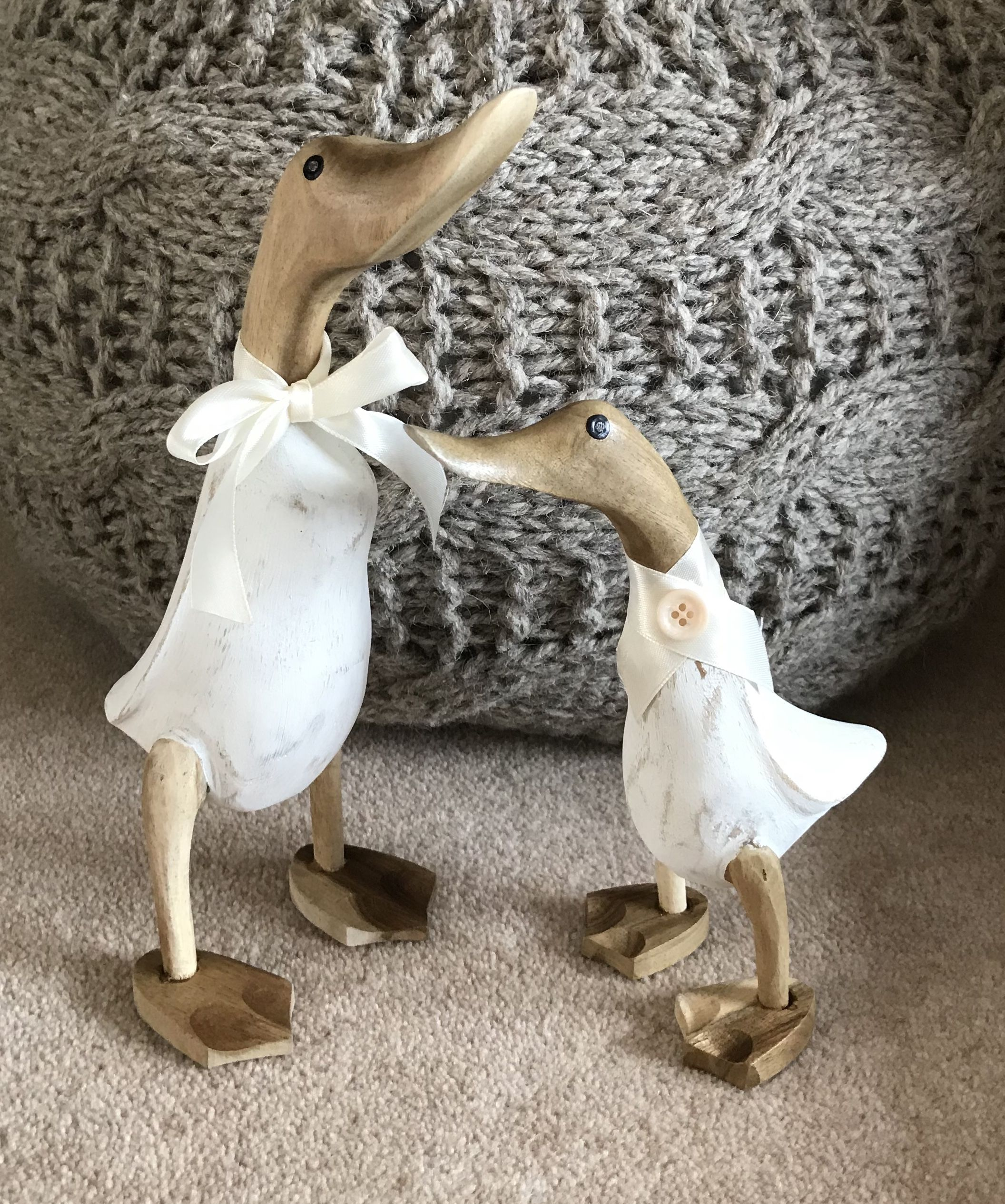 Shabby Chic Mummy Baby Duckling Cream Painted Wooden Ducks