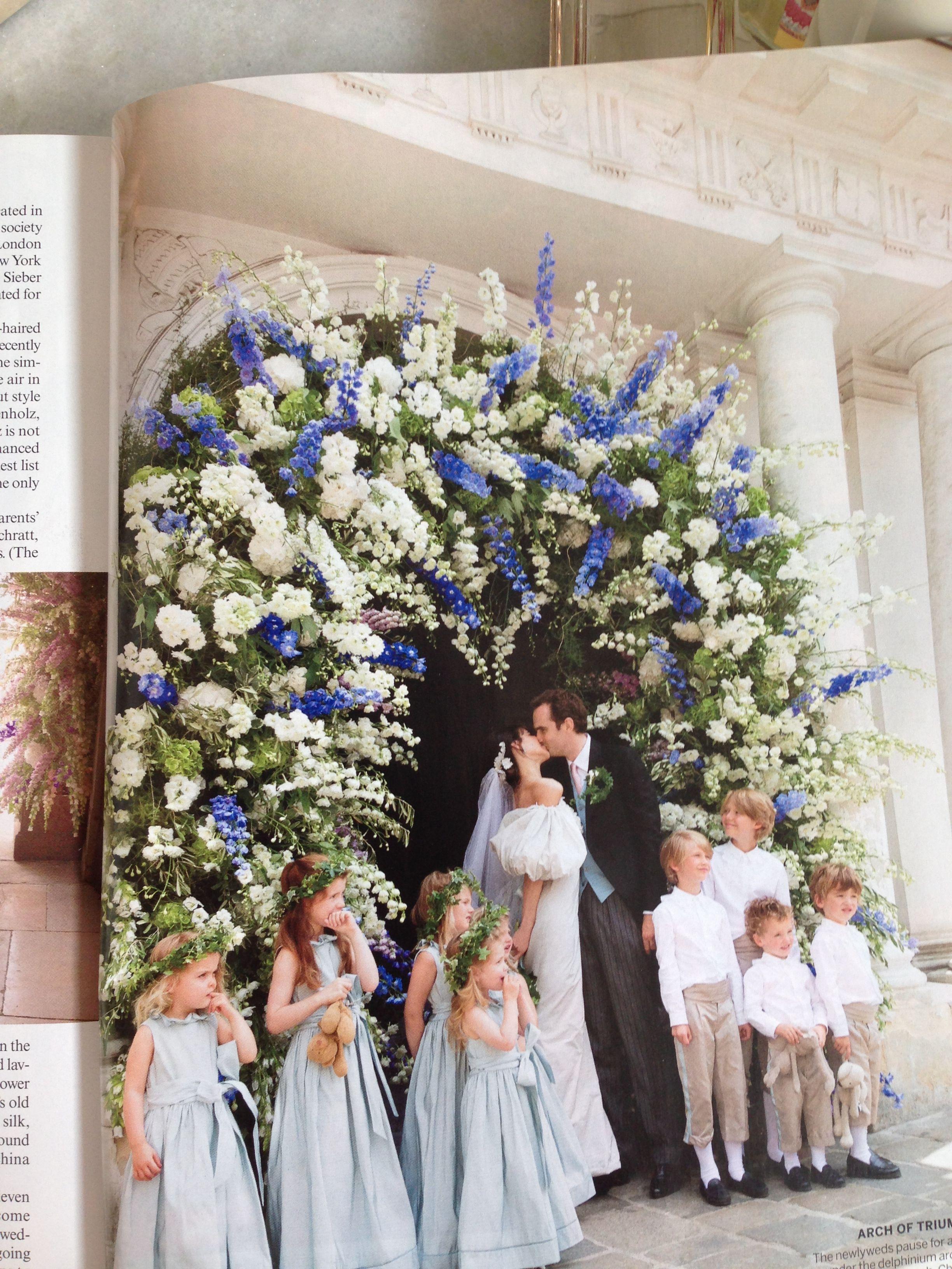 Деревья из цветов на свадьбе