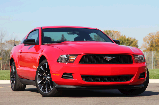 2012 mustangggg...my uncle just got one. i think i should math him with this!