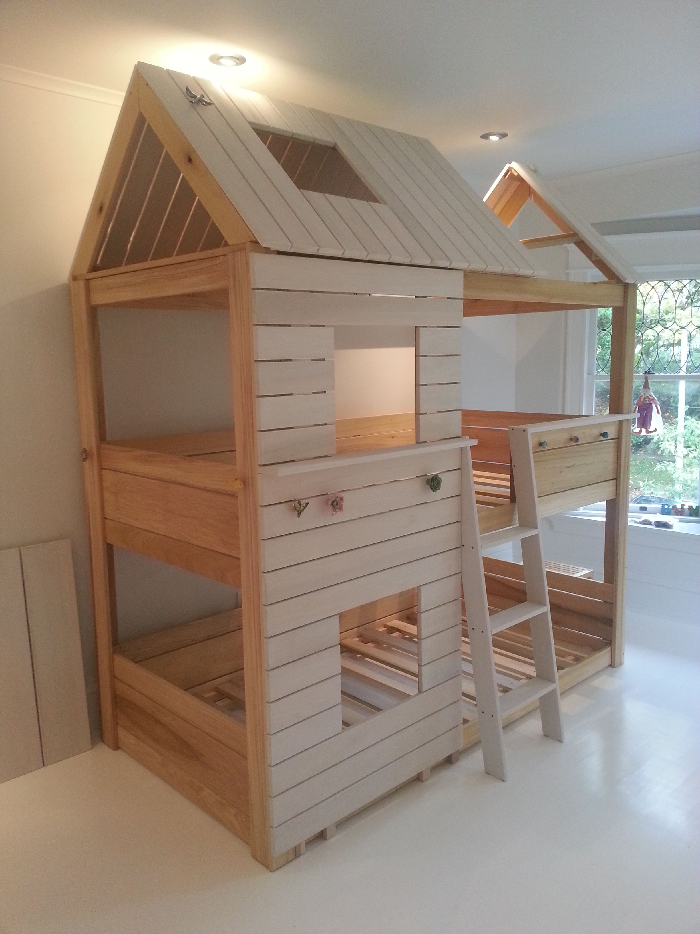4,700 front angle one House bunk bed, Diy bunk bed