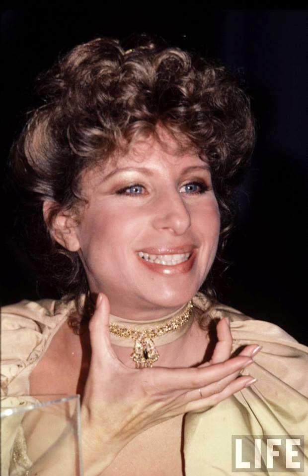 Lyric barbra streisand hello dolly lyrics : Pin by Galadriel Forever on Barbra Streisand | Pinterest | Barbra ...