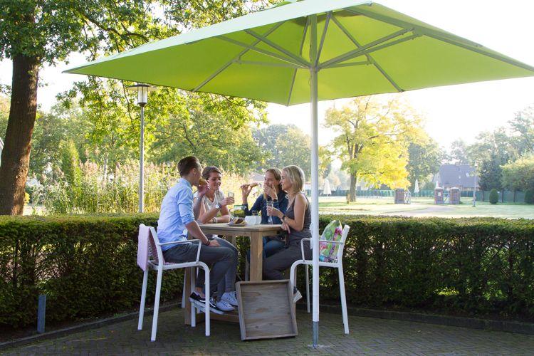 Terrasse Gestalten Modern Sonnenschutz Hecke Abtrennung Terrace