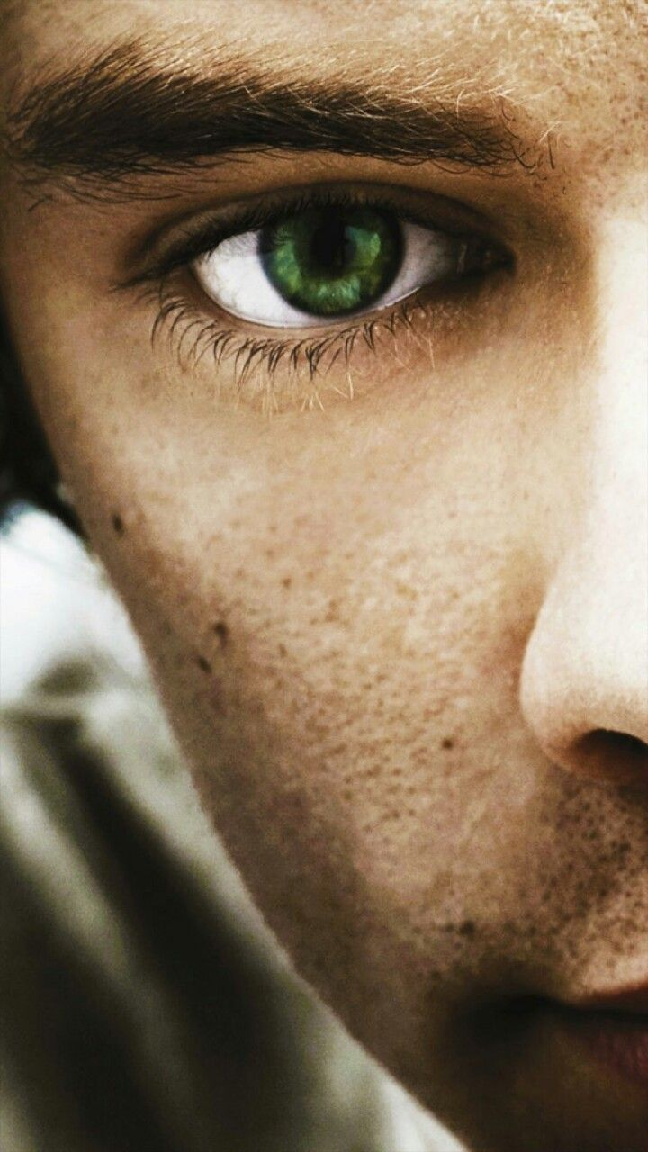 Then emerald green eyes I keep drowning in. Harry styles