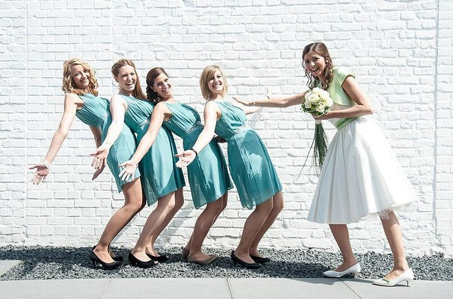 Anni mit Grün | Brautkleid kurz, Grüne jacke und Brautkleid