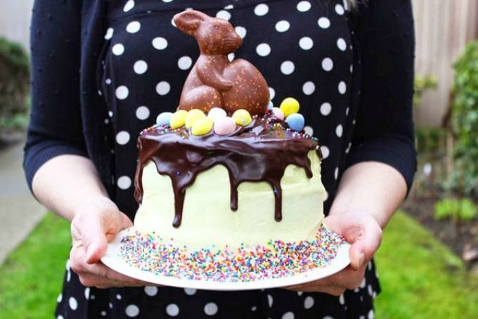 30 Delicious Dripping Cake Ideas Oozing With Icing Drip cakes