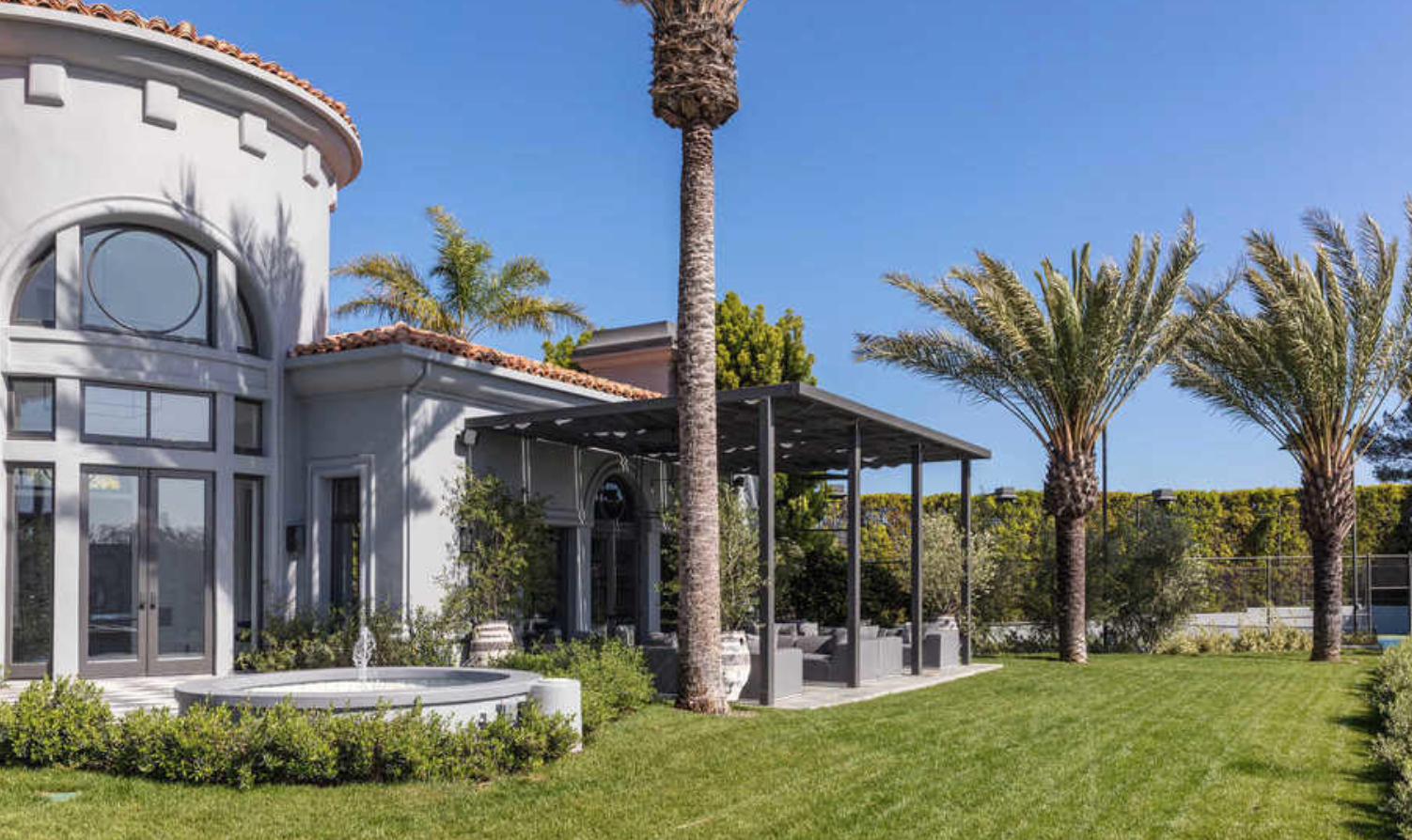 Kylie Jenner S Rent At Her Temporary Beverly Hills Home Is
